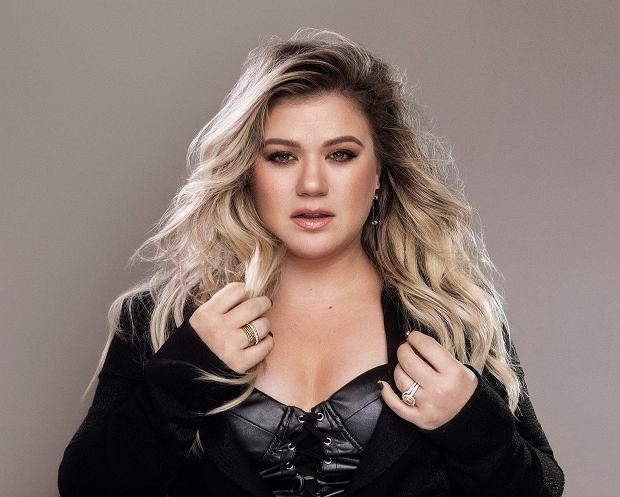 Kelly Clarkson broni tego, że bije swoje dzieci. Piosenkarka nie czuje się z tym źle i traktuje to jako... formę kary.