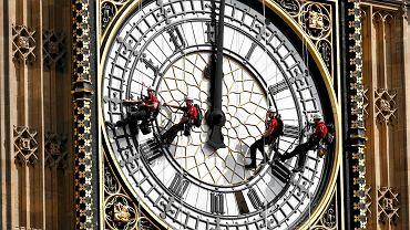 Czyszczenie tarczy zegara londyńskiego Biga Bena, 2014