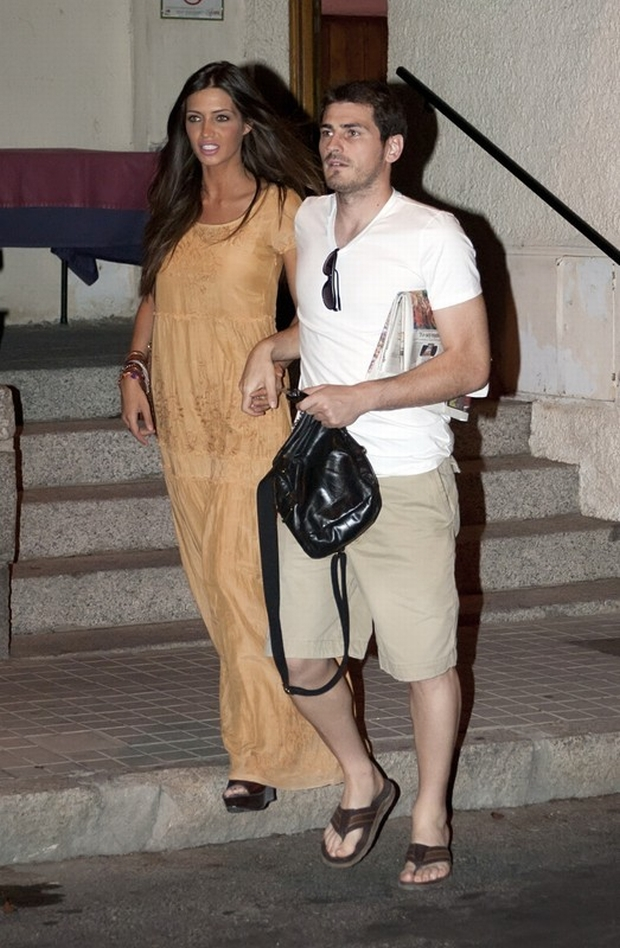 Madrid - SPAIN  Spain's goalkeeper and captain Iker Casillas with his girlfriend, television journalist Sara Carbonero,  going diner for celebrate Euro 2012 football Championships 4-0 against Italy.  ?? CHCPEC / Target Press - 03/07/2012
