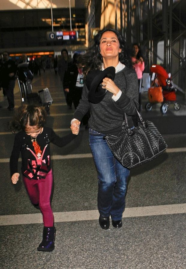 www.310pix.com -     Salma Hayek and daughter Valentina were spotted arriving at LAX Airport on their way to Paris.  Los Angeles, Jan. 17, 2013         310-594-3035  -