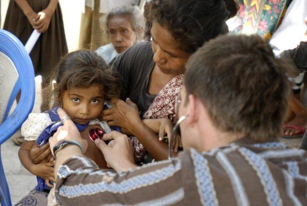 Lekarze bez Granic nie chcieli daru - miliona szczepionek ratujących dzieci. Skandal? To nie takie proste