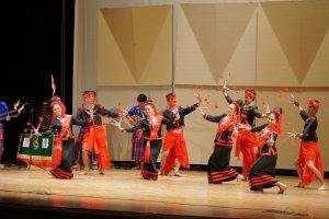 Folklor z Tajlandii, Turcji i Izraela w pasa�u Schillera