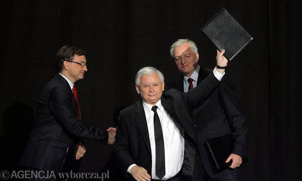 Zbigniew Ziobro, Jaros�aw Kaczy�ski i Jaros�aw Gowin podpisali porozumienie