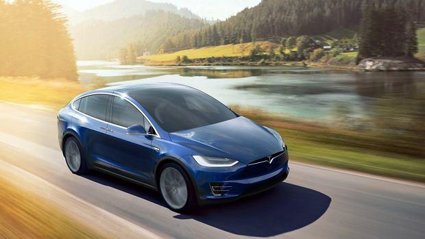 Tesla po cichu podnosi ceny