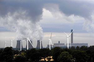 Godzina dla Ziemi nie wystarczy. Naukowcy proponują dla świata szatański plan, by szybko skończyć ze spalaniem węgla i ropy