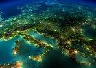 Nocne niebo zaśmiecone światłem. Połowa Polski nie ma szans dostrzec Drogi Mlecznej