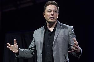 Omdlenia, zawroty głowy i kursujące karetki pogotowia. Tak się pracuje u Elona Muska?