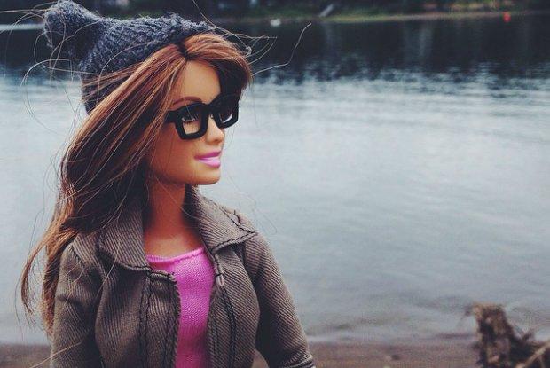 Barbie hipsterka. Wygl�da �wietnie, ale to kolejna zjadliwa parodia na Instagramie [ZDJ�CIA]