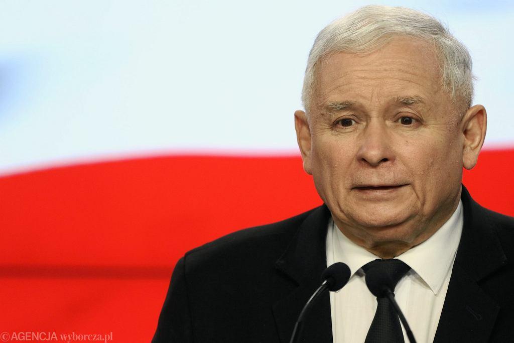 Prezes Jarosław Kaczyński podczas konferencji prasowej po Radzie Politycznej PIS-u i spotkaniu z Sekretarzem Stanu USA Rexem Tillersonem.