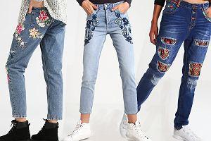 Haftowane jeansy - zobacz stylizacje z najmodniejszymi spodniami sezonu