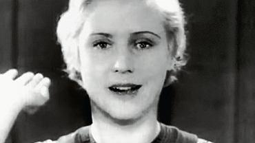 24-letnia Ursula Patschke, pierwsza spikerka telewizyjna w historii, witała i żegnała telewidzów słowami 'Heil Hitler' i prawą ręką podniesioną w nazistowskim pozdrowieniu. W kilkuminutowych przerwach między programami recytowała wiersze, odgrywała scenki rodzajowe i opowiadała historyjki. Nie zapisała się jednak w pamięci Niemców, bo w jej czasach telewizję oglądali nieliczni