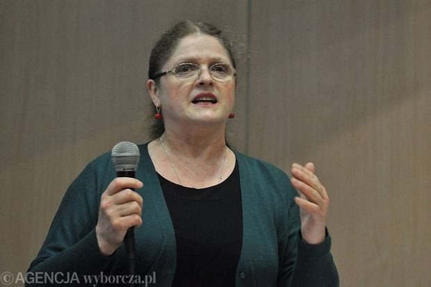 Prof. Krystyna Paw�owicz na spotkaniu w Auli Uniwersytetu Opolskiego