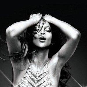 Oto nowy plakat Lopez. Ona sexy, ale jej p�pek... Czego� takiego nie widzieli�my