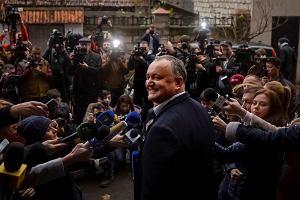 Unijna flaga znika sprzed siedziby prezydenta Mołdawii. Dodon skłania się ku Moskwie, a nie ku Brukseli