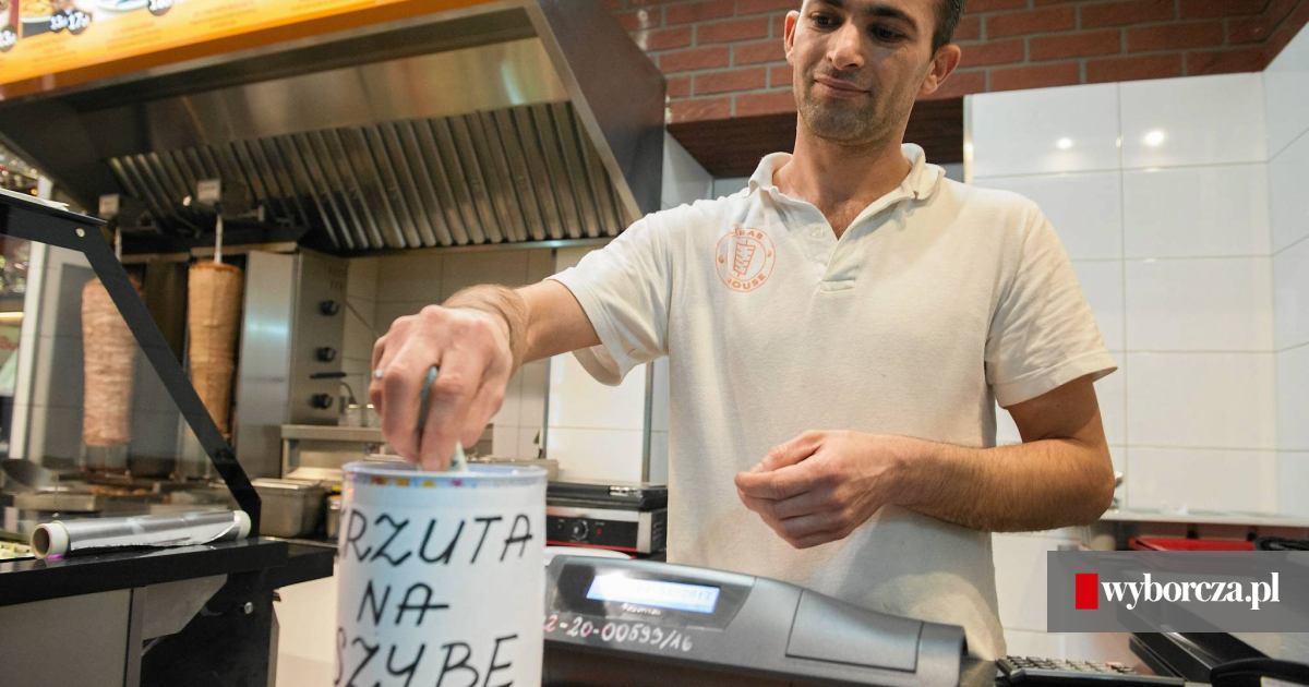 Z odziej puszki z datkami dla w a ciciela kebabu zatrzymany for Classic kebab house stechford