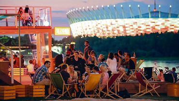 Wybrano najlepsze na świecie miasta na imprezę. Warszawa wyprzedziła Nowy Jork. Kto na podium?