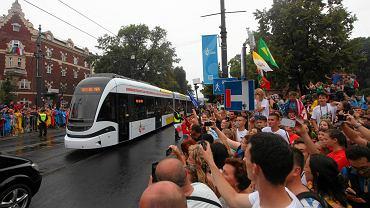 Przejazd tramwajem - najrado�niejszy moment wizyty papie�a w Krakowie