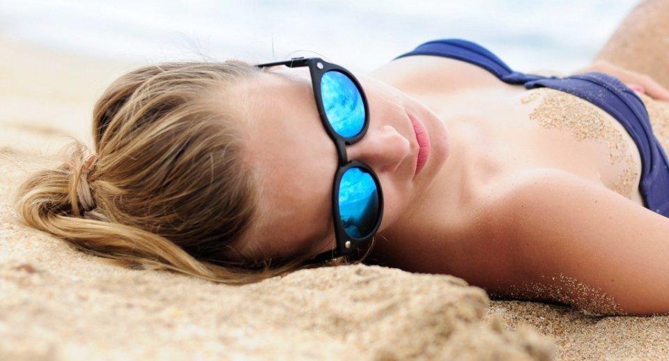 Promieniowanie UV mo�e przyspiesza� choroby gro��ce utrat� wzroku. Okulary s� dla oczu jak tarcza ochronna