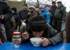 """""""Proszę o ratunek. Ludzie u nas zaczynają umierać z głodu"""". PAH nakarmi głodujących w Doniecku"""
