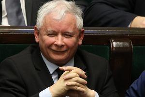 Demokracja w Polsce zagrożona? Kaczyński to wyśmiewał, a co myślą Polacy? [SONDAŻ]