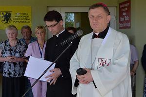 Bp Zadarko o referendum w sprawie uchodźców: Przewidując wynik, musielibyśmy wypowiedzieć Konwencję Genewską