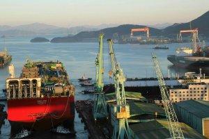 W Korei zwodowali najwi�kszy w historii statek. Jeszcze wi�kszy jest w planach