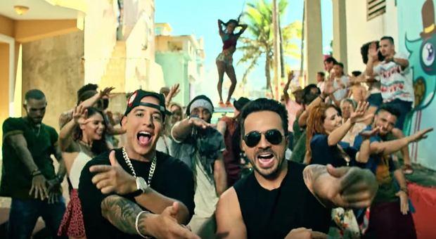 """Piosenka """"Despacito"""" to zdecydowanie hit tego roku. Właśnie stała się pierwszą w historii, do której teledysk obejrzano ponad 3 MILIARDY RAZY!"""