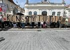 Andrzej Duda wetuje ustawy o SN i KRS. Walka nie jest skończona. Oto, co stałoby się z Polską bez niezawisłego sądownictwa. Rozmowa z Franciszakiem Wiaczorką