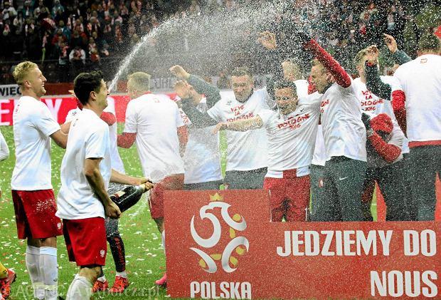 Robert Lewandowski nie zostanie ukarany za picie szampana na Stadionie Narodowym