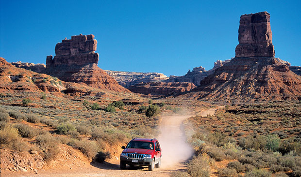 Podróże: samochodem przez Dziki Zachód, samochody, ameryka północna, podróże, Dolina Bogów - urokliwe miejsce na poranną rozgrzewkę na granicy Utah i Arizony