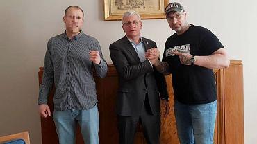 Zdjęcie opublikowane na stronie Rafała Dąbrowskiego (z prawej). W środku prezydent Jacek Jaśkowiak