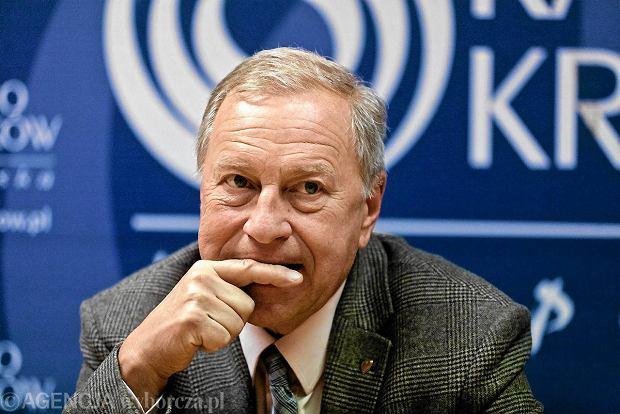 Jerzy Stuhr podczas konferencji prasowej swojego s�uchowiska