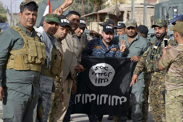 """Nieoczekiwana decyzja Dudy ws. walki z ISIS - na chwilę przed szczytem NATO. """"To zwraca na nas uwagę terrorystów"""""""