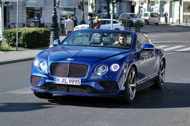 Robert Lewandowski i Bentley Continental
