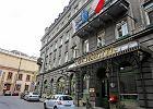 Syndyk w Hotelu Francuskim. Zajmuj� maj�tek Gesslerom
