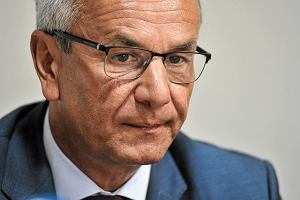 CBA: Andrzej Biernat, by�y minister sportu, sk�ada� nieprawdziwe o�wiadczenia maj�tkowe
