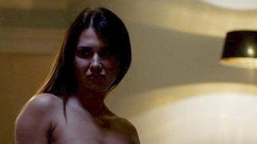 Justyna Dąbkowska to modelka, która zdecydowanie ma się czym pochwalić i chętnie to robi. 27-latka zagrała ostatnio nago w serialu 'Miasto skarbów', który emitowany jest na antenie TVP2. To jedna z najodważniejszych scen w polskiej telewizji ostatnich lat.