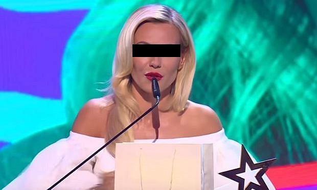 Doda złożyła obszerne wyjaśnienia, w sprawie założonej przez jej byłego partnera, Emila Haidara, który miał być rzekomo zmuszany do wycofania wniosku, o ściganie piosenkarki. Artystka nie przyznaje się winy. Jest już na wolności, ale pozostaje pod nadzorem policji.