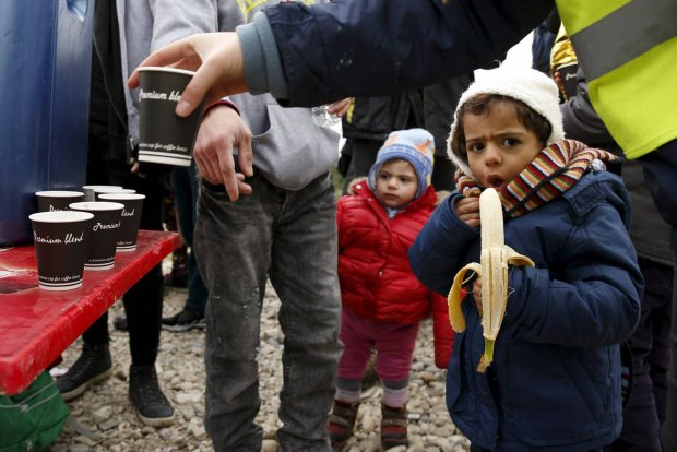 Mali uchod�cy po dotarciu na Lesbos