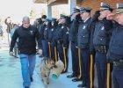 """""""Nigdy ci� nie zapomnimy, Judge. Odpoczywaj w pokoju"""". Policjanci z New Jersey z honorami po�eganli swojego psiego koleg� ze s�u�by [ZDJ�CIA]"""