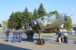 Pokazano replik� legendarnego bombowca PZL-37 �o�
