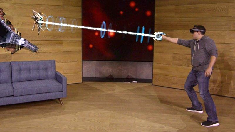 Walcz z obcymi dzięki HoloLens