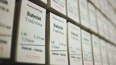 'Sąsiedzi wyjechali do Treblinki' wystawa w Centrum Zamenhofa. Praca Aleksandry Czerniawskiej
