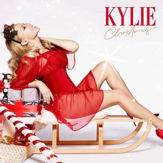 Artystka opublikowała nową wersję swojej świątecznej piosenki.