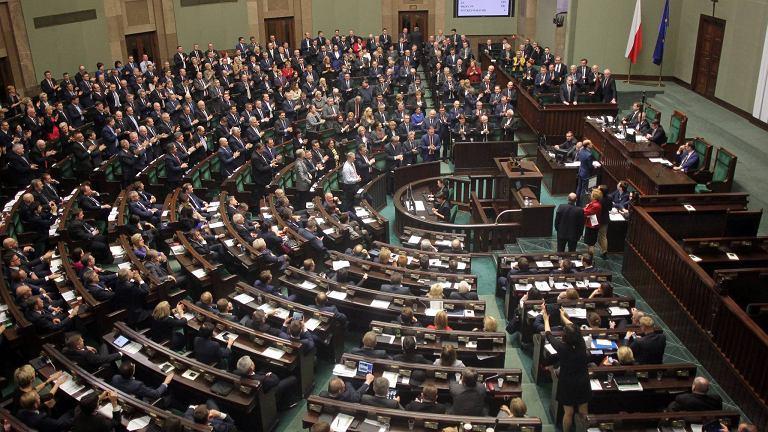 Polski Sejm po przegłosowaniu nowelizacji ustawy o TK