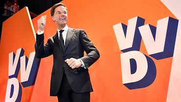 Wybory w Holandii. Wygrała partia premiera Marka Ruttego. W przyszłym parlamencie będzie miała ponad 30 mandatów