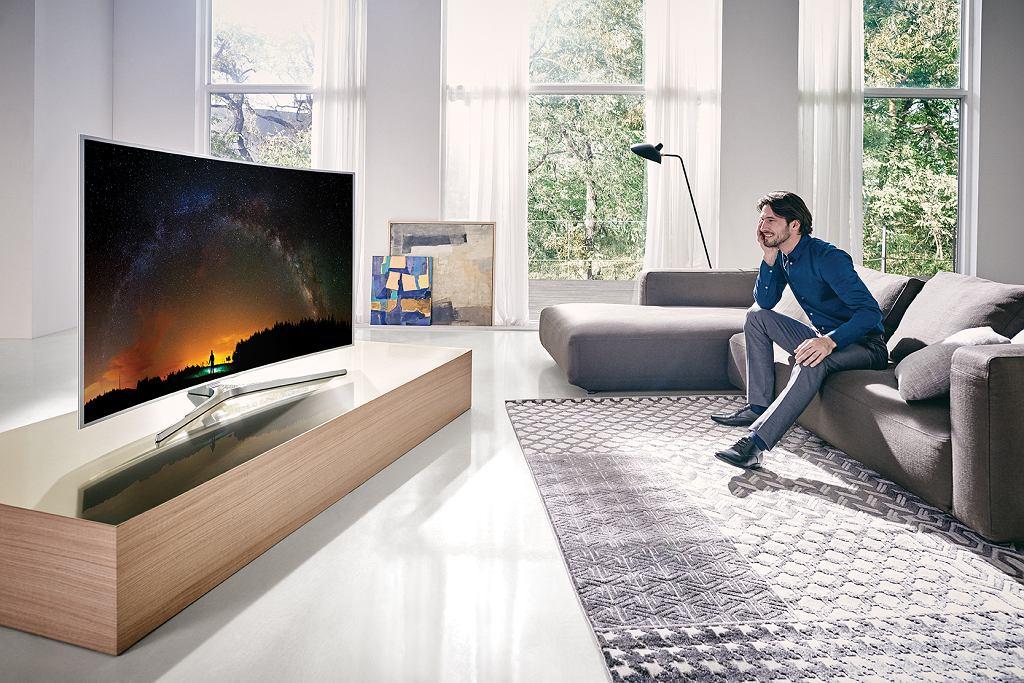 Telewizor KS9500 z zakrzywionym ekranem - czerń jest jeszcze bardziej czarna.