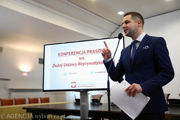 """Projektem tzw. dużej ustawy reprywatyzacyjnej zajęli się posłowie. """"Tej ustawy Bolesław Bierut by się nie powstydził"""""""