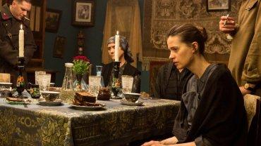 """Grochowska u Ridleya Scotta - obok Oldmana. Mroczny film o mordercy dzieci w ZSRR. """"Niesamowity luksus"""""""