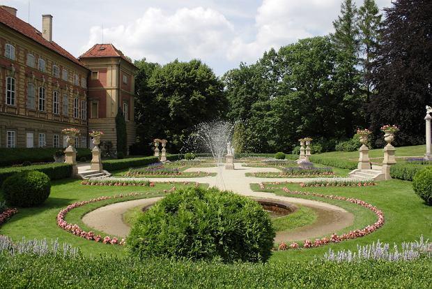 Zamki w Polsce. Zamek w Łańcucie / shutterstock